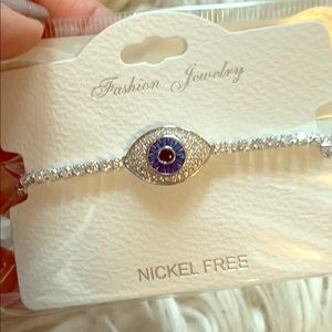 Jewelry - Evil eye bracelet (blue and white crystal detail)